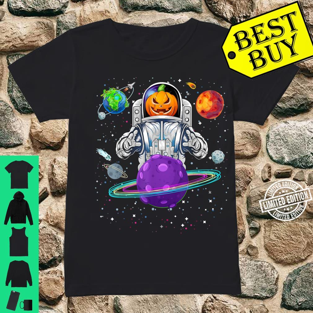 Raumfahrer mit Kürbiskopf zu Halloween Shirt ladies tee